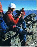 QUELLO CHE SANNO FARE I GATTI: l'impresa straordinaria di un gatto alpinista